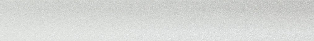 Aluminium jaloezie 'Groep 2' 10.2369 gebroken wit met structuur zijdeglans – beschikbaar in 25 mm – bovenbak en onderlat in kleur: 10.2006 (gebroken wit glans)