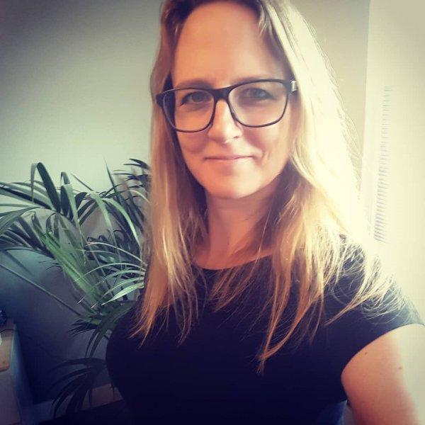 Anna Biermans - Verano - Marasol - Raamdecoratie - Binnenzonwering - Over Marasol
