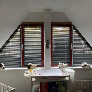 Trapezium jaloezie schuin raam raam schuine zijde